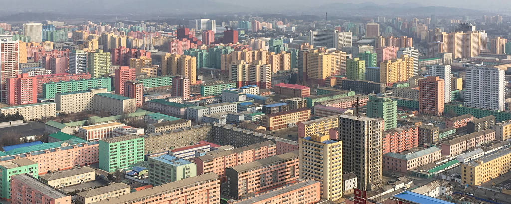 horizonte de prédios coloridos vistos de cima