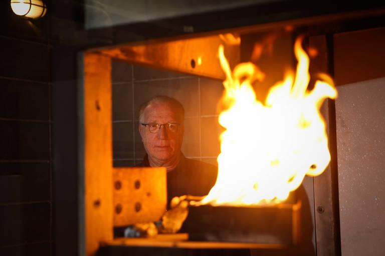 O engenheiro Antonio Berto, do laboratório de segurança ao fogo e a explosões do IPT