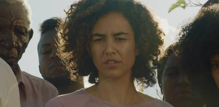 Barbara Colen em cena de 'Bacurau', de Kleber Mendonça Filho e Juliano Dornelles
