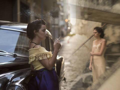 Júlia Stockler e Carol Duarte em cena do filme 'A Vida Invisível de Eurídice Gusmão', de Karim Aïnouz