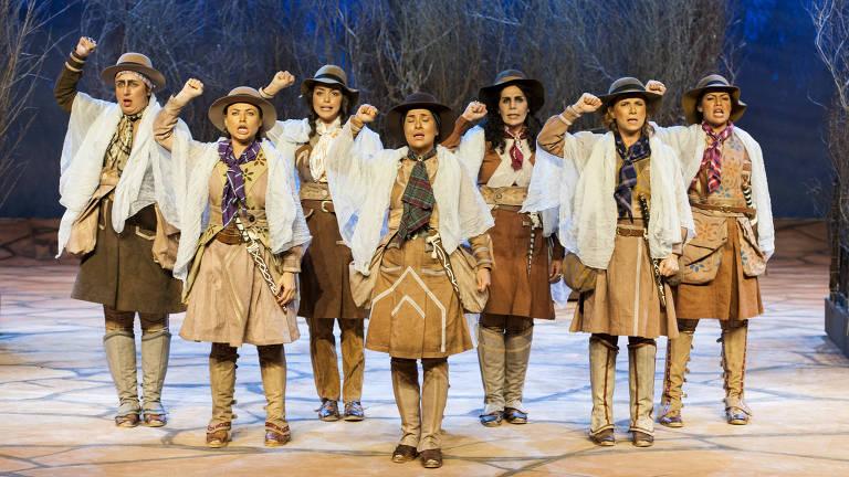 Elenco de 'As Cangaceiras', de Newton Moreno, que estreia no Teatro do Sesi