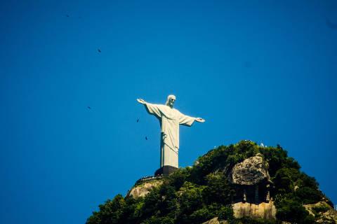 RIO DE JANEIRO, RJ, 12.11.2018 - Monumento Cristo Redentor na cidade do Rio de Janeiro. Cristo Redentor é uma estátua art déco que retrata Jesus Cristo, localizada no topo do morro do Corcovado, a 709 metros acima do nível do mar, no Parque Nacional da Tijuca, com vista para a maior parte da cidade do Rio de Janeiro. (Foto: Vanessa Ataliba/Brazil Photo Press/Folhapress)