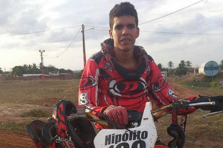 Edjarde Hipolito, 26, morreu durante competição de motocross