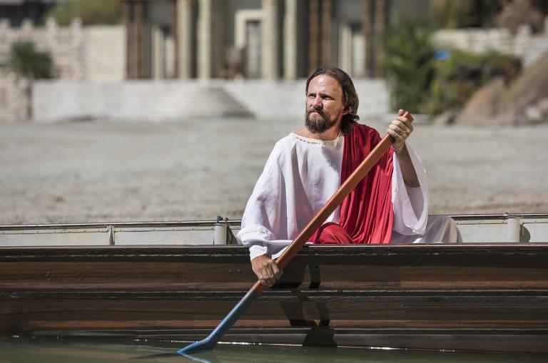 Conheça os atores amadores que vivem Jesus por um dia