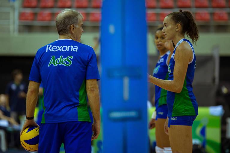 Bernardinho e Gabi em treino da equipe do Rio de Janeiro em 2015
