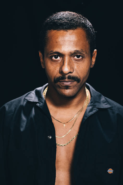 O rapper Black Alien, que lança novo trabalho