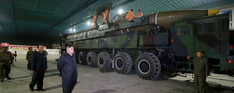 FILE PHOTO: North Korean leader Kim Jong Un inspects the intercontinental ballistic missile Hwasong-14 in this undated photo released by North Korea's Korean Central News Agency (KCNA) in Pyongyang July 5, 2017. To Match Special Report USA-NUCLEAR/ICBM   KCNA/via REUTERS/File Photo ATTENTION EDITORS - THIS IMAGE WAS PROVIDED BY A THIRD PARTY. REUTERS IS UNABLE TO INDEPENDENTLY VERIFY THIS IMAGE. NO THIRD PARTY SALES. SOUTH KOREA OUT ORG XMIT: HFS-NUCX612