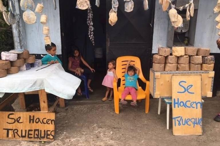 Em Cúpira, comerciantes locais aceitam outros produtos pelo tradicional cacau da região