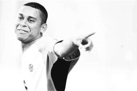 Valdiram, ex-jogador do Vasco, que morreu na sexta (19), em São Paulo, aos 36 anos, em foto publicada pelo clube carioca