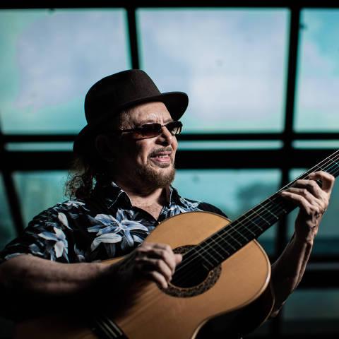 SÃO PAULO, SP, BRASIL, 06-04-2019: Retrato do cantor e compositor Geraldo Azevedo. (Foto: Bruno Santos/ Folhapress) *** FSP-MONICA BERGAMO *** EXCLUSIVO FOLHA***