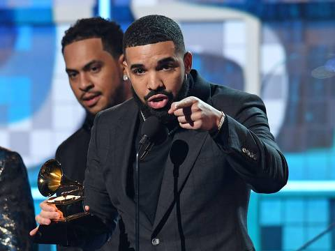 "Canadian rapper Drake accepts the award for Best Rap Son for ""Gods Plan"" during the 61st Annual Grammy Awards on February 10, 2019, in Los Angeles. (Photo by Robyn Beck / AFP)"