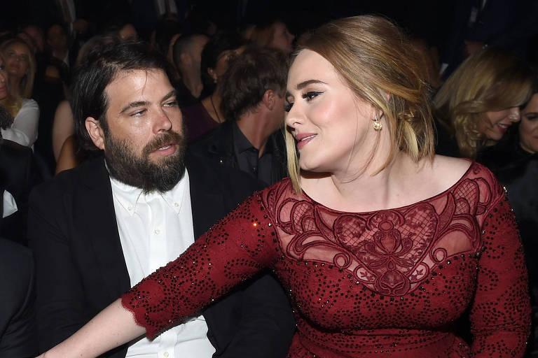 A cantora Adele com o agora ex-marido, Simon Konecki