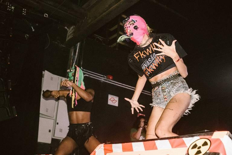 Show do Pussy Riot no Fabrique Club (zona oeste de São Paulo)