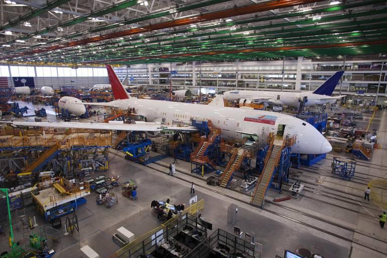 Um 787 Dreamliner, da Boeing, sendo construído para Air India na fábrica de North Charleston, na Carolina do Sul, Estados Unidos
