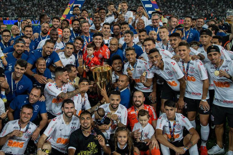 Jogadores do Corinthians comemoram o título do Campeonato Paulista