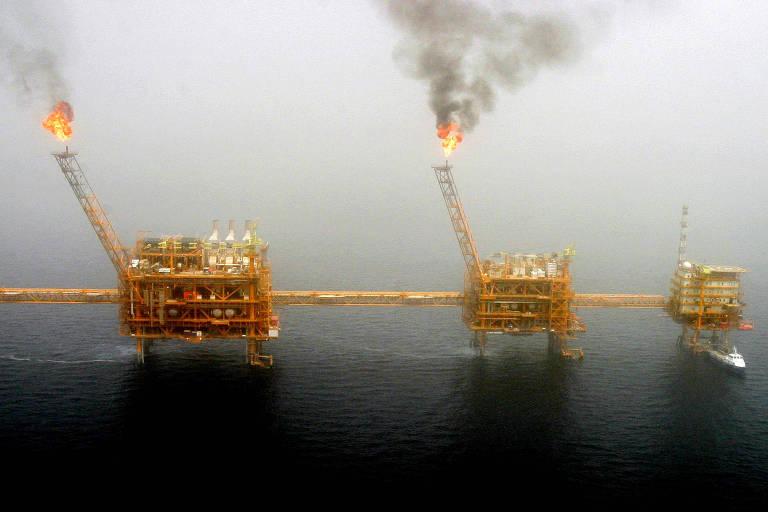 Plataforma de produção de petróleo em Soroush, no Golfo Pérsico, ao sul da capital Teerã