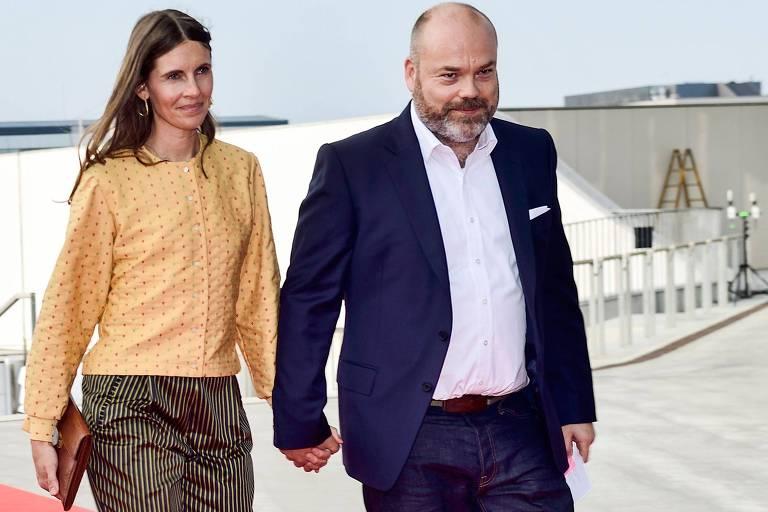 O bilionário dinamarquês Anders Holch Povlsen e sua mulher, Anne Holch Povlsen, durante evento em Copenhague