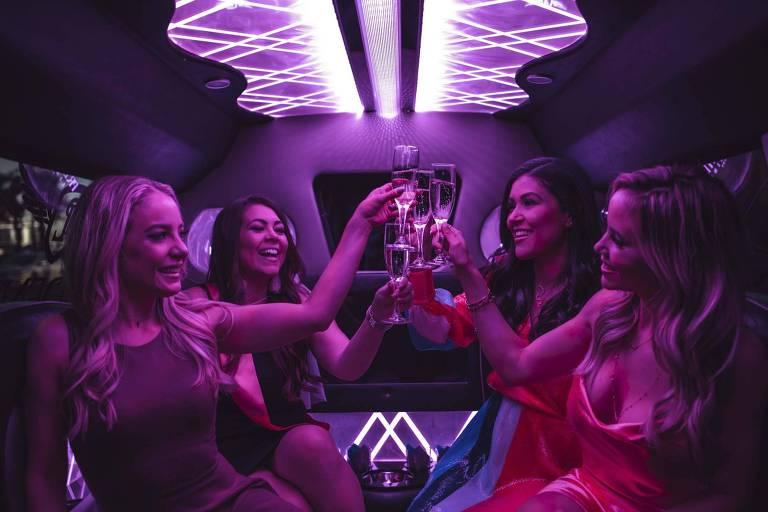 Festas de divórcio representam cerca de 10% dos negócios da agência Vegas Girls Night Out