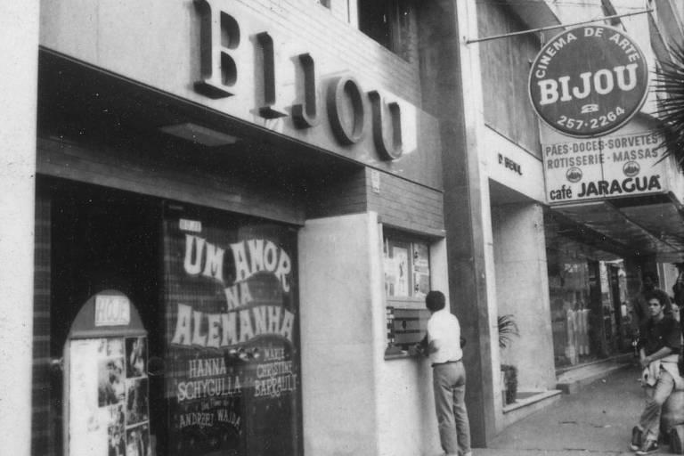 O Cine Bijou, na praça Roosevelt, região central de São Paulo, em 1986