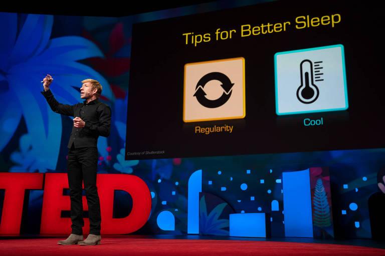 Matt Walker dá dicas de como dormir melhor (regularidade e temperatura mais baixa) no TED em Vancouver