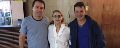 Cecília Thompson com os filhos Paulo e Flavio Guarnieri ORG XMIT: oOXN_gSH9y1AIbVB9mWO