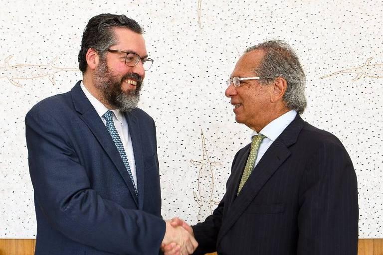 Paulo Guedes e Ernesto Araújo