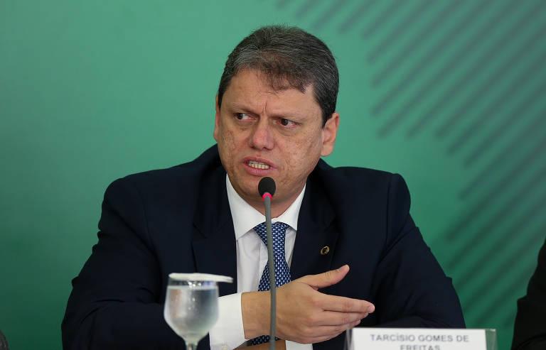 Ministros da Infraestrutura, Tarcísio Freitas, durante coletiva de imprensa no Palácio do Planalto