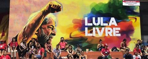 """SÃO PAULO, SP, 16.03.2019 - A campanha """"Lula Livre"""", pela liberdade do ex-presidente Luiz Inácio Lula da Silva (PT), começou uma nova fase em evento no Sindicato dos Metroviários, em São Paulo. (Foto: Carolina Moraes/Folhapress)"""