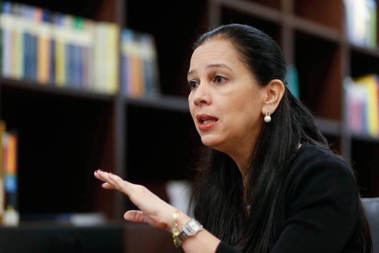 Grace Mendonça dá entrevista após assumir a Advocacia-Geral da União, no governo Temer, em 2016