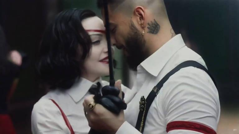 """Madonna e Maluma no clipe de """"Medellín"""""""