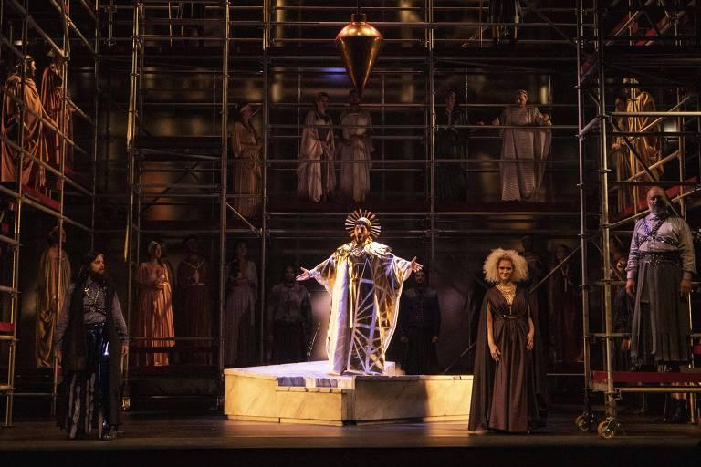 Cena da ópera 'La Clemenza di Tito', no Theatro São Pedro