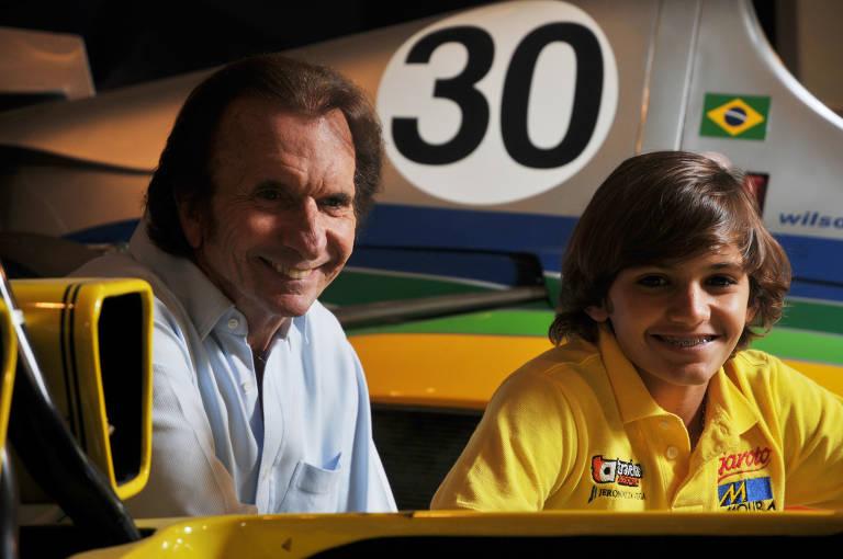 Pietro Fittipaldi, aos 15 anos, ao lado do avô, Emerson Fittipaldi
