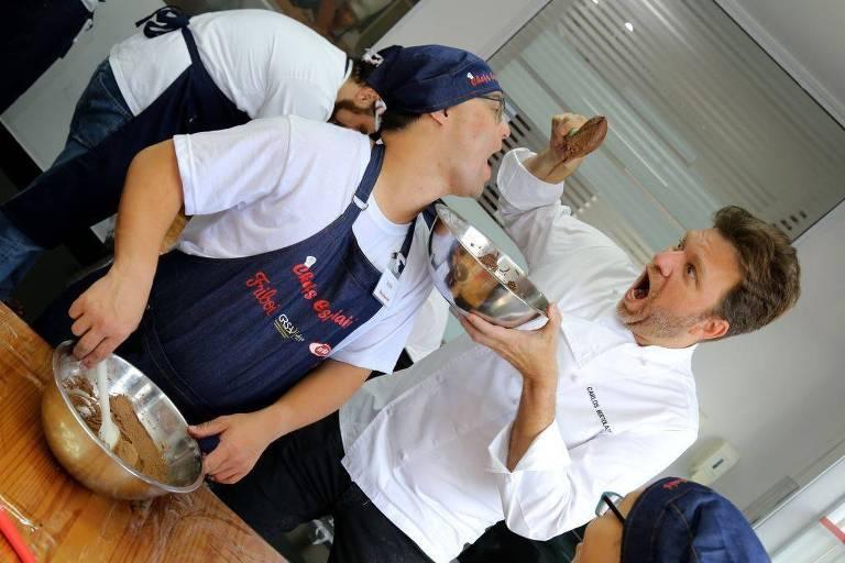 Chef Carlos Bertolazzi e portadores de Down