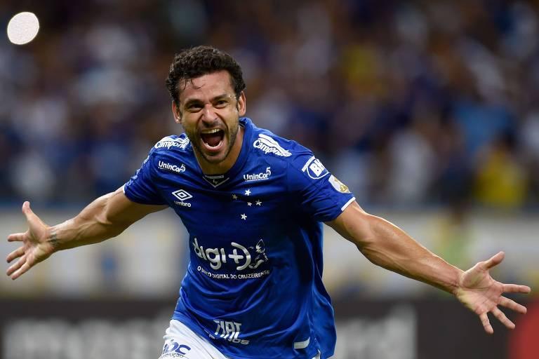 O atacante Fred comemora um gol cruzeirense na Libertadores; a equipe celeste é uma das favoritas ao título brasileiro, ao lado do Grêmio