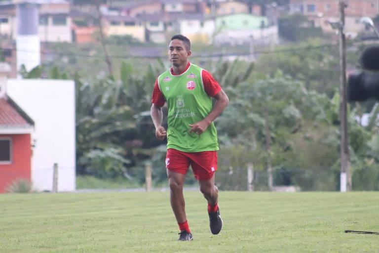 Jorge Henrique, que vai defender o Náutico na Série C do Brasileiro, treina no Recife