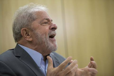 Pela primeira vez em meses, Lula ficou tenso e ansioso com possibilidade de sair da prisão