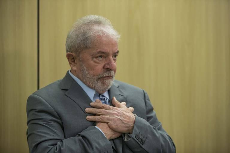 O ex-presidente Lula concede entrevista exclusiva à Folha e ao jornal El País, na sede da Polícia Federal, em Curitiba (PR), onde o petista está preso.