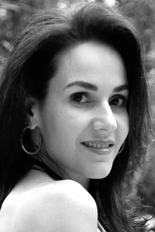 A escritora Cristiane Serruya, 49, acusada de plágio pela autora americana Nora Roberts