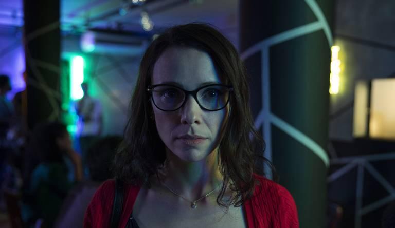 Débora Falabella como Dani, em 'Depois a Louca Sou Eu', de Júlia Rezende
