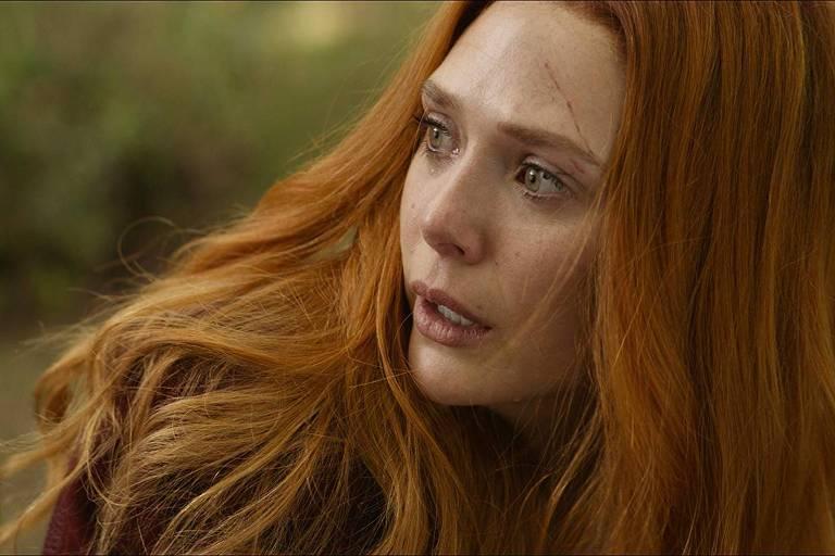 """Feiticeira Escarlate (Elizabeth Olsen) em cena de """"Vingadores: Guerra Infinita"""""""