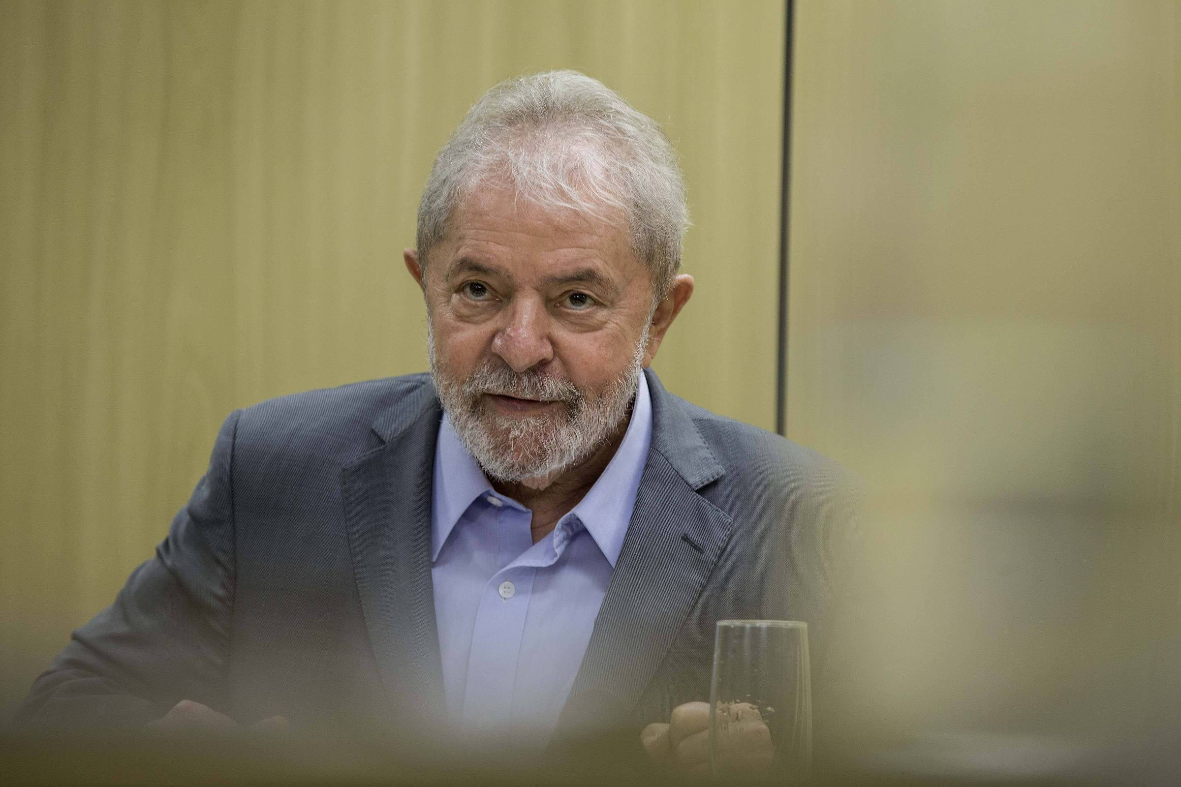 Lula Defense Team Plans to Use Moro Messages to Build New Legal Strategy -  11/06/2019 - Brazil - Folha