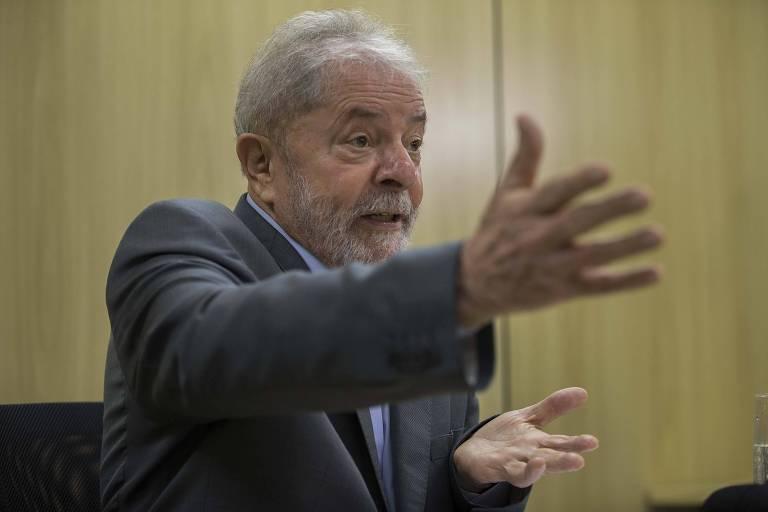 O ex-presidente Lula em entrevista na sede da PF em Curitiba