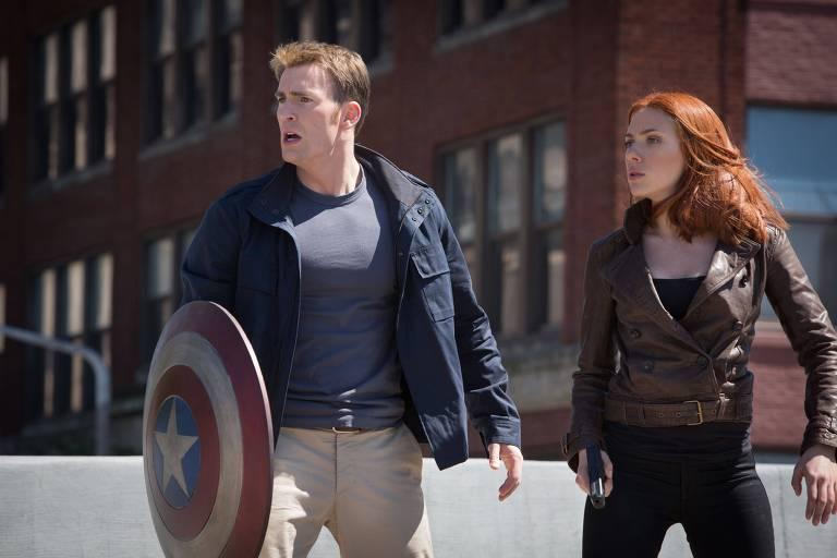 """Capitão America (Chris Evans) e Viúva-Negra (Scarlett Johansson) em cena do filme """"Capitão América 2: O Soldado Invernal"""""""