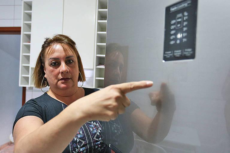 Mariana Rosa de Almeida conta que Carrefour disse que ela assinou papel confirmando o recebimento