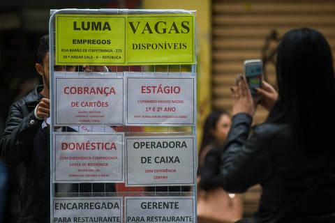 Indicadores econômicos mostram recuperação errática, e queda de juro é aposta para retomada