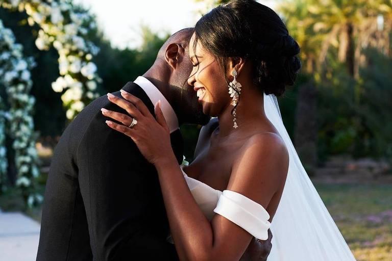 Idris Elba se casa aos 46 anos com a modelo Sabrina Dhowre