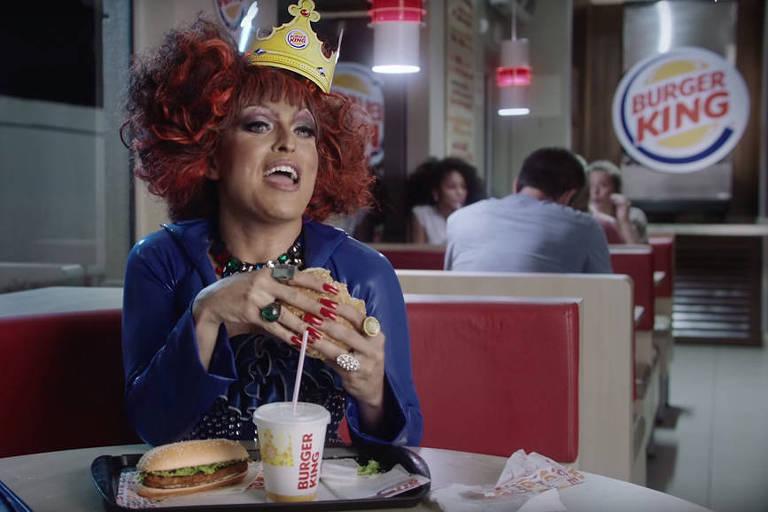 Enquanto governo foge de polêmica, Burger King faz comerciais inusitados