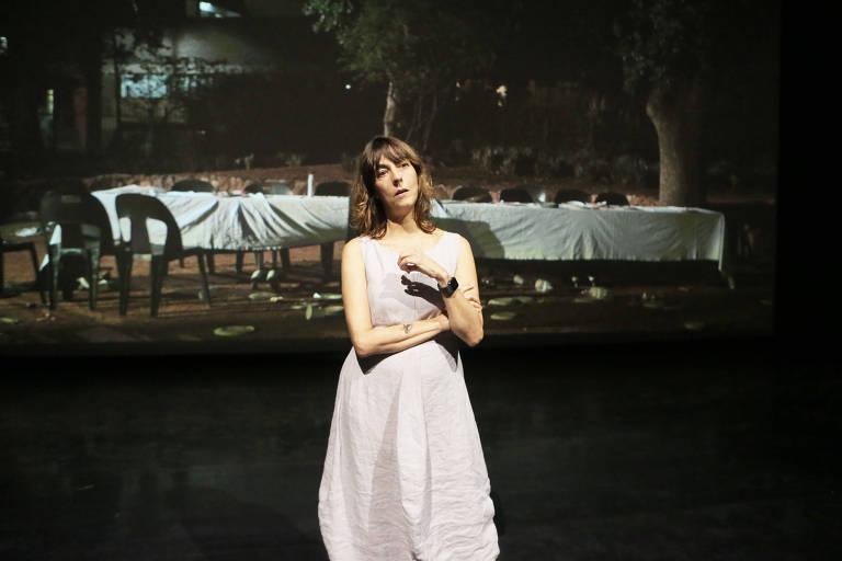 """Christiane Jatahy, diretora do espetáculo """"O agora que Demora"""", no Sesc Pinheiros"""