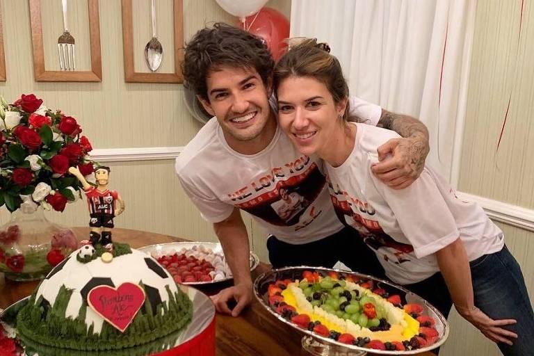 Alexandre Pato ganha festa de Rebeca Abravanel