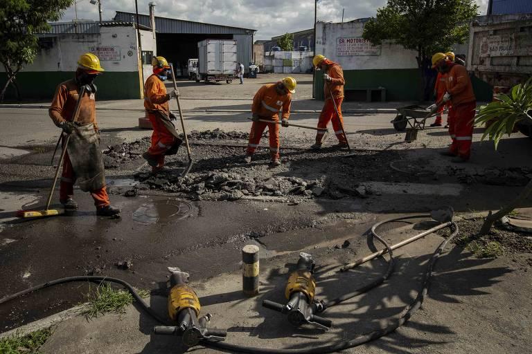Operação tapa-buracos na zona norte de São Paulo